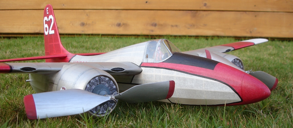1021_Closeup_with_Props_Small_001.JPG