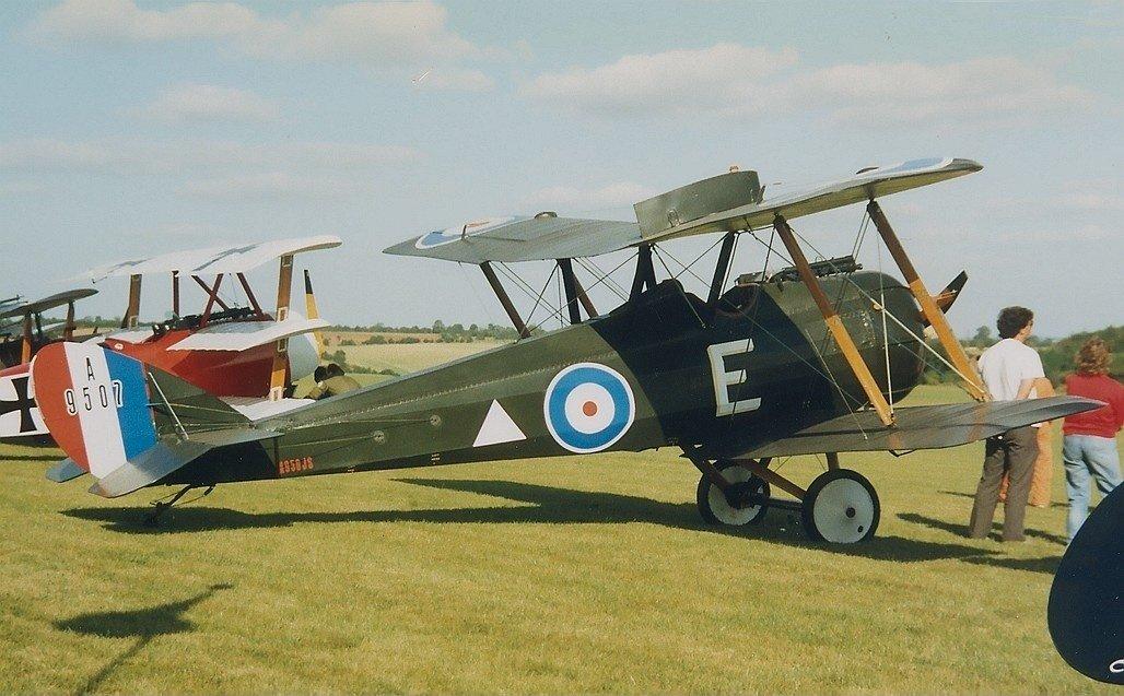 Airco_DH-5__replica___UK_-_Air_Force_AN0302053.jpg