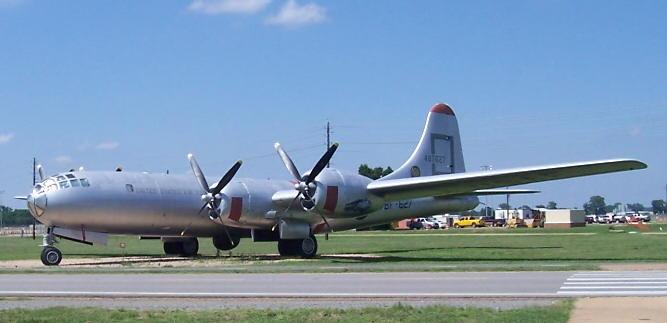 B-29_Bksdale_06-14b.jpg