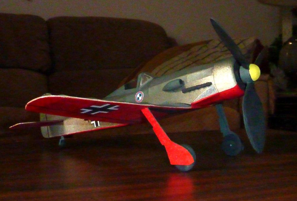 Focke-Wulf_Fw190_D9_1.jpg