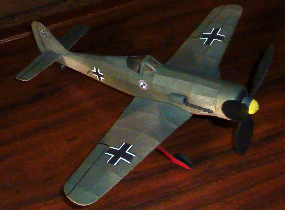 Focke-Wulf_Fw190_D9_3.jpg