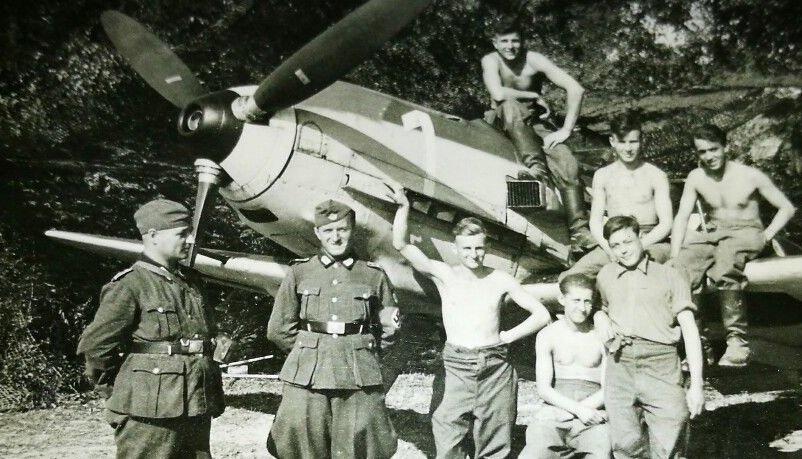 Kriegshilfseinsatz_der_Jugend_bei_der_Luftwaffe_-Youth_War_Assistance_Service_in_the_Air_Force.jpg