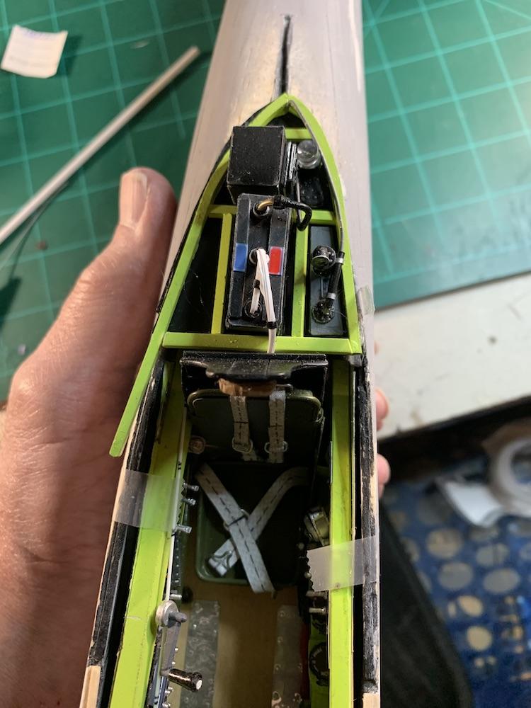 P-51_rear_cockpit_deck_8.jpeg