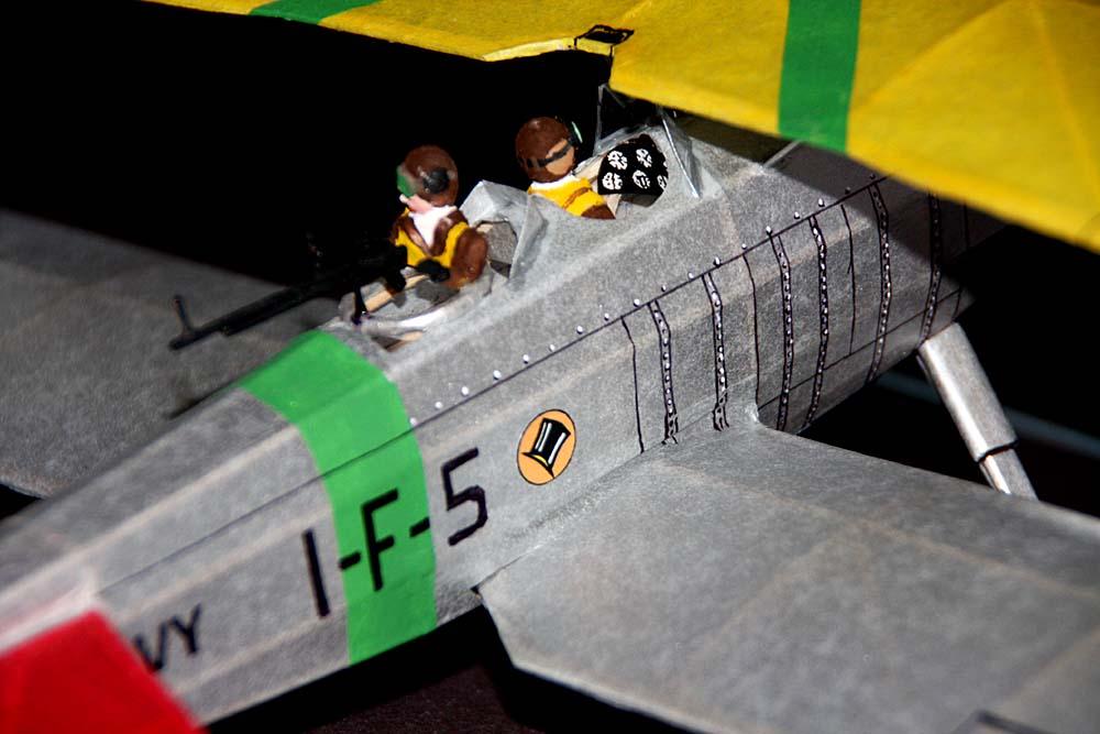 Pilot_Gunner_squadron_Top_Hat_markings.jpg