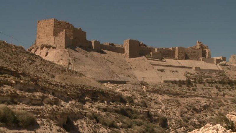 castle-kerak-castle-wall-castle-ruins.jpg