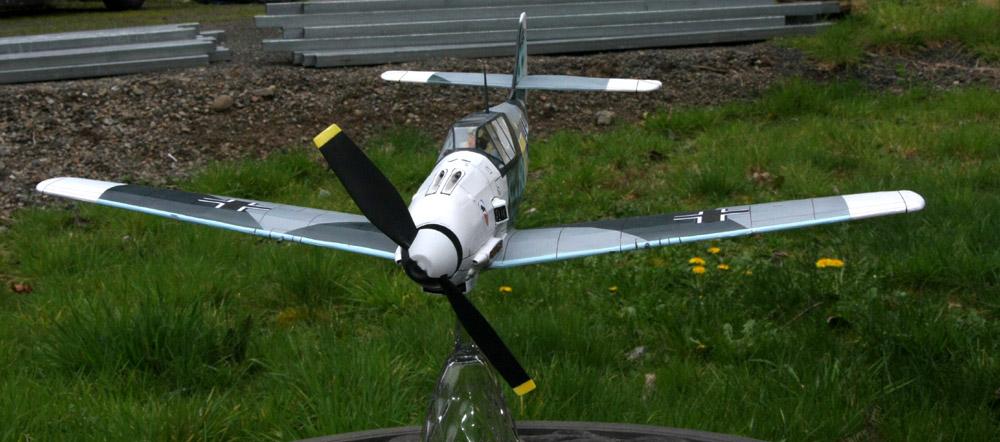 fini_Bf109E3_headon_001.jpg