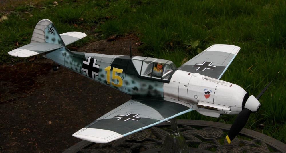 fini_Bf109E3_rt_frnt_quarter_001.jpg