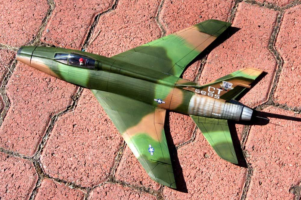 finished_markings_F-100D_left_side_outside.jpg